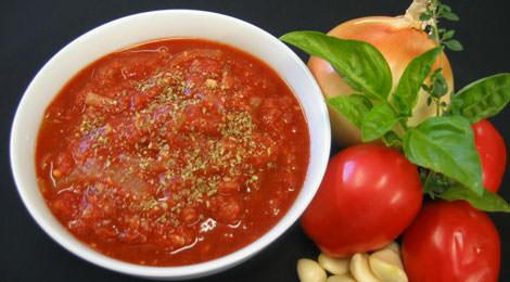 Povrće sa sosom od paradajza