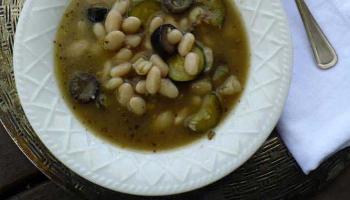 Supa od pasulja i boranije